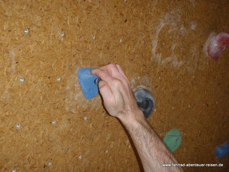 Gefahren beim Bouldern: Überlastung Verletzung Sturz - worauf achten