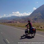 vor Gulco - Radreisen in Kirgistan