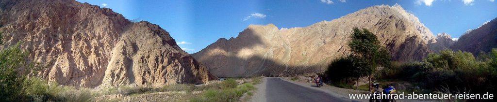 hinter Khorog