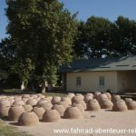 Backöfen aus Lehm in Usbekistan