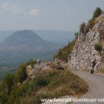 Abfahrt nahe der Grenze in Montenegro