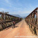 Weitwinkel lässt Brücke länger erscheinen