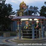 Zeremonie im Hindu-Tempel