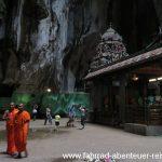 Auch buddhistische Mönche besuchen Hindutempel