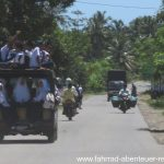 Schulbus auf Sumatra