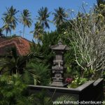 Hindu-Tempel und viel Botanik