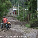 Lehmpiste in Peru